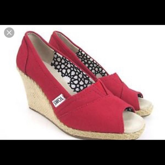 ba8f36a19 Women's Toms wedge sandals Red Size 7. Toms. M_5cc107dab3e917232489b3ec.  M_5cc107db7f617f3019e127c5. M_5cc107dd9ed36d008cbfc5b4.  M_5cc107dfafade88bb97be91e